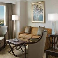Suites at Hilton Grand Vacations Club on Paradise