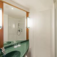 Ibis Berlin Spandau Bathroom