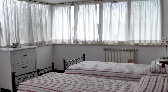 Holidays Macedonia - Rome - Bedroom