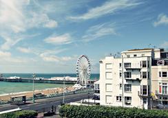 New Cosmopolitan Hotel - Brighton - Atraksi Wisata