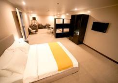 The Hotel at Green Sun - Manila - Kamar Tidur