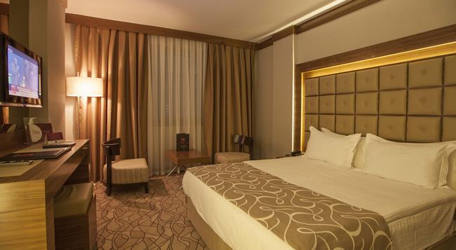 Grand Hotel Gaziantep - Gaziantep - Bedroom
