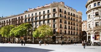 Hotel Colon Barcelona - Barcelona - Bangunan