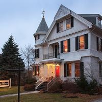 Lang House on Main Street Bed & Breakfast Featured Image
