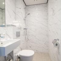 Hotel2Stay Bathroom