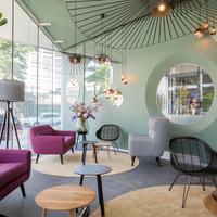 Hotel2Stay Lobby Sitting Area