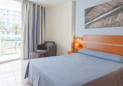 Sirenis Tres Carabelas & Goleta Spa - Ibiza - Kamar Tidur
