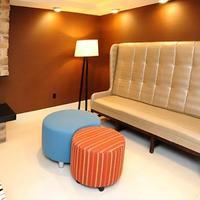 Fairfield Inn and Suites by Marriott Atlanta Downtown Lobby