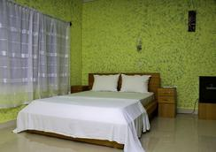 Big Apple D.E Hotel - Accra - Kamar Tidur