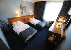 Hotel Wloski - Poznan - Kamar Tidur
