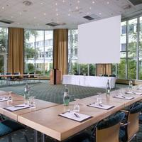 Wyndham Hannover Atrium Meeting Room