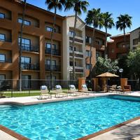 Courtyard by Marriott Phoenix Camelback Outdoor Pool