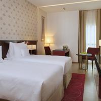 Cosmopolitan Hotel Guestroom