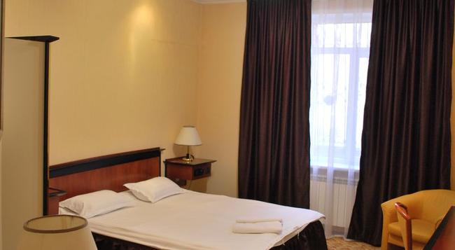 Medeus Budget Hotel - Almaty - Bedroom