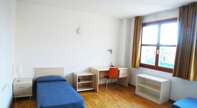 Sunny Terrace Hostel - Venice - Bedroom