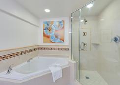 Naples Grande Beach Resort - Naples - Kamar Mandi
