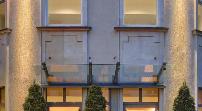 Mamaison Residence Diana - Warsaw - Building