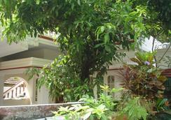 Nathan's Holiday Home - Kochi - Pemandangan luar