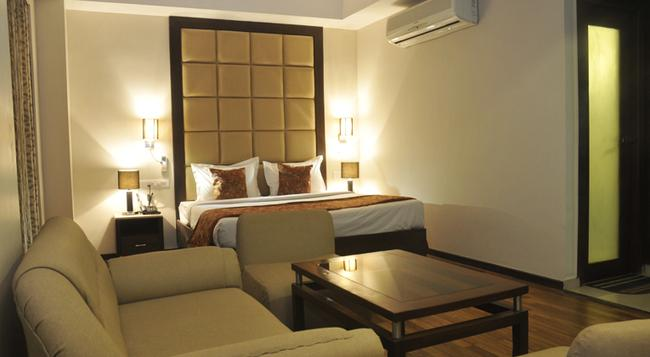 The Grand Eden - Ahmedabad - Bedroom