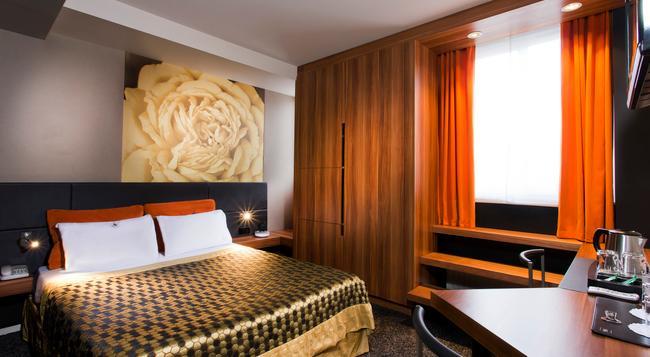 Hotel Louvre Rivoli - Paris - Bedroom
