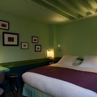 Hotel Crayon Guestroom