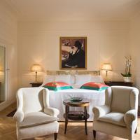 Grand Hotel Plaza Guestroom