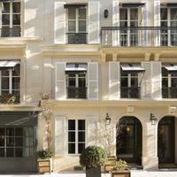 Le Saint Hotel Entrance