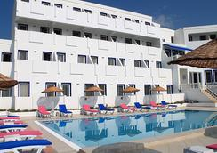 Dolce Bodrum Hotel and Beach Club - Adult Only - Bodrum - Bangunan