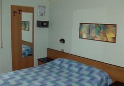Hotel Niagara Rimini - Rimini - Kamar Tidur
