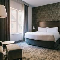 Marriott St Louis Grand Guest room