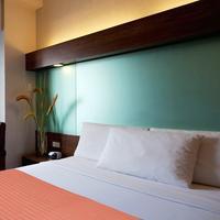 Microtel Inn & Suites By Wyndham General Santos Guestroom