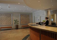 Upstalsboom Hotel Friedrichshain - Berlin - Lobi