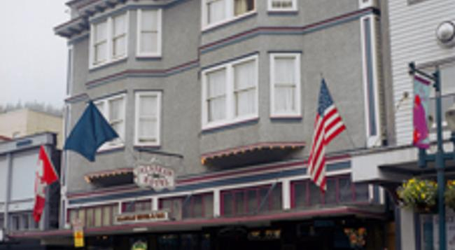 Alaskan Hotel and Bar - Juneau - Building