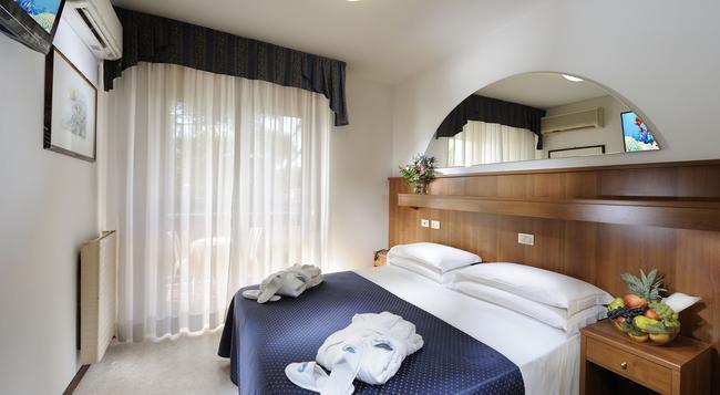 Hotel Vina De Mar - Lignano Sabbiadoro - Bedroom