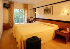 Hotel Guitart Central Park Aqua Resort 3 - Lloret de Mar - Kamar Tidur