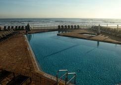 Hyatt Place Daytona Beach-Oceanfront - Daytona Beach - Kolam