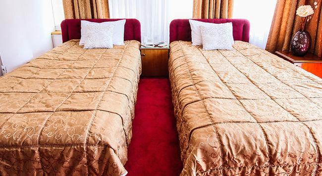 Hotel Victoria - Skopje - Bedroom