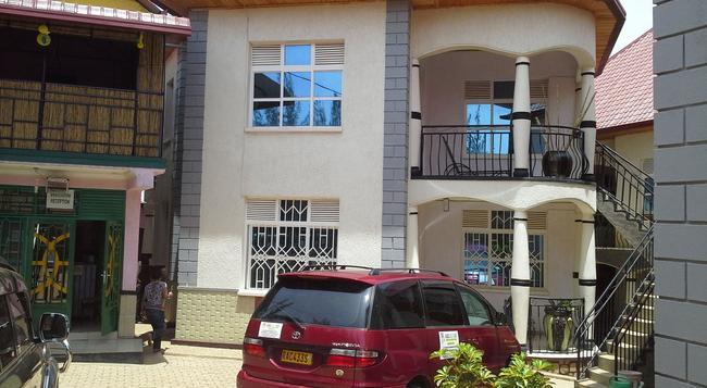 Radius Guest Flats - Kigali - Building