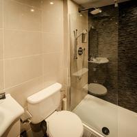 Hotel Isaacs Cork Bathroom