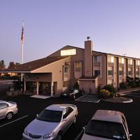 Shilo Inn - Medford Parking