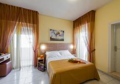 Hotel Corinna - Rimini - Kamar Tidur