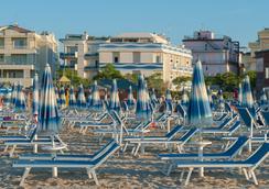 Hotel Corinna - Rimini - Pantai