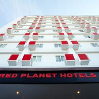 Red Planet Solo Hotel Front