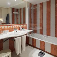 H10 Costa Adeje Palace Bathroom