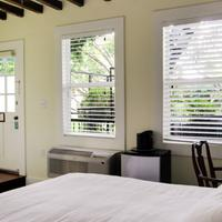 The Green House Inn Guestroom