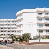 Hotel Bernat II Hotel Front