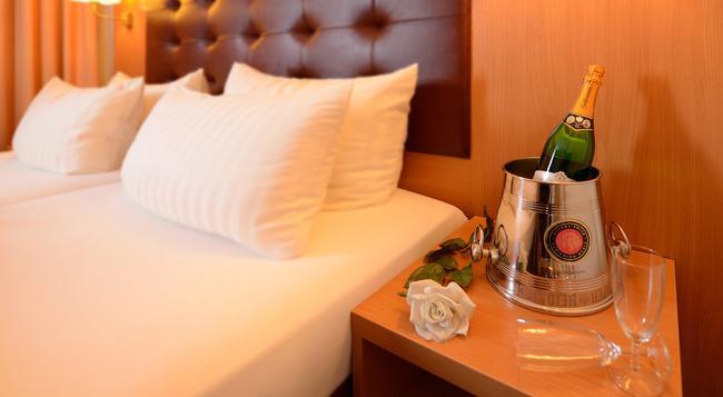 Hotel Sachsentor - Hamburg - Bedroom
