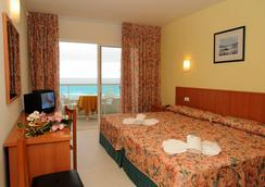 Hotel Natura Park - Coma-ruga - Kamar Tidur