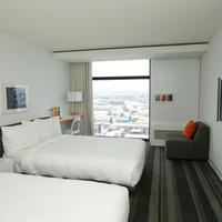 Hotel Pur Quebec Guestroom