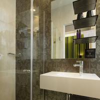 Hotel Design Sorbonne Bathroom